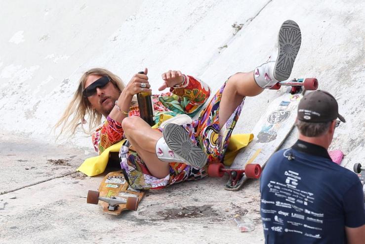 matthew-mcconaughey-set-beach-bum