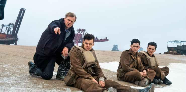 Christopher-Nolan-and-Harry-Styles-on-Dunkirk-set.jpg